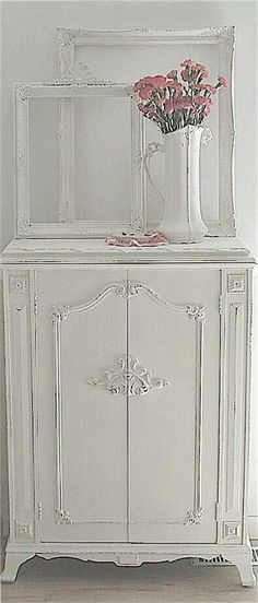 Stunning bedroom piece! Perfect Shabby Chic!