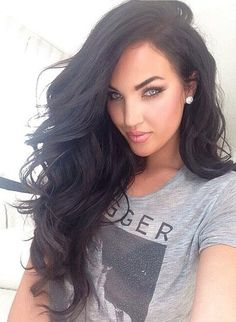 Shop for the best but cheap human hair wigs for sale online? We have got large collection of good quality cheap human hair wigs for black and white women. Pretty Hairstyles, Wig Hairstyles, Hairstyle Ideas, Fashion Hairstyles, Straight Hairstyles, Curly Hair Styles, Natural Hair Styles, Corte Y Color, Great Hair