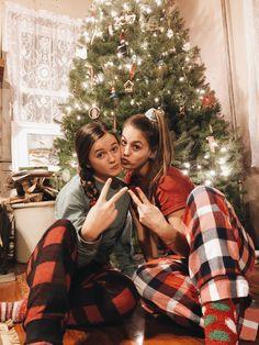 Christmas Feeling, Christmas Couple, Christmas Photos, Cute Friend Pictures, Best Friend Pictures, Friend Pics, Best Friend Photography, Christmas Photography, Cute Friends