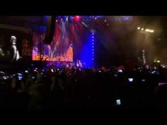 ROBBIE WILLIAMS (Lucca Summer Festival 2015) - YouTube