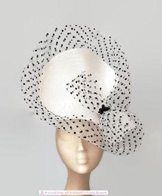 Elegant black and white fascinator white Kentucky derby hat Millinery Hats, Fascinator Hats, Sinamay Hats, Black And White Fascinators, Black And White Hats, English Hats, Kentucky Derby Dress, Wedding Hats, Fascinators For Weddings