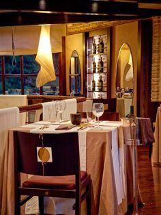Omikron Restaurant   Photography John Athimaritis