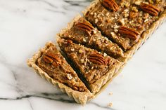 Healthier No-bake Pecan pie: Indulge yourself without the guilt. With sweet dates for flavor and whole rolled oats for texture, this naturally gluten-free, vegan recipe allows you to skip the excessive processed sugars and butter. Raw Desserts, Sugar Free Desserts, Healthy Desserts, Delicious Desserts, Healthy Treats, Pie Recipes, Dessert Recipes, Recipies, Pie