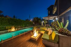Pardee Properties - Luxurious Pool and Backyard in Ocean Park Architectural - Santa Monica, CA