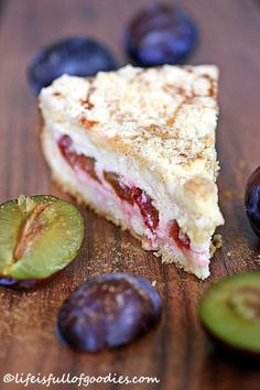 Plum and cinnamon cheesecake with crumble crust - Life Is Full .- Zwetschgen-Zimtkäsekuchen mit Streuselkruste – Life Is Full Of Goodies Plum and cinnamon cheesecake with crumble crust - Cinnamon Cheesecake, Cheesecake Recipes, Food Cakes, No Bake Desserts, Dessert Recipes, Desserts Nutella, Cinnamon Desserts, Dessert Blog, Sweets Cake
