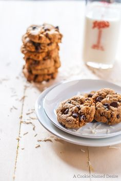 I think I may have mentioned my love for all things coconut before and how coconut was my signature everything for a time in college and even a couple of years later. One of my favorite cookies, is my coconut chocolate chip cookie recipe. To-date is one of my more popular cookie posts and with … Yummy Treats, Delicious Desserts, Sweet Treats, Yummy Food, Clean Eating Cookies, Coconut Chocolate Chip Cookies, Classic Desserts, Cookies Et Biscuits, Smoothie Recipes