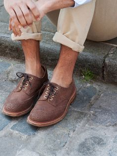 I'm really glad wingtips are back in brown.  I have these in blue suede.