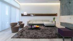 Weston Hills Residence by Hugo Mijares