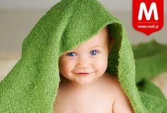 green or nah? Fertility Tracker, Green Day, Blue Eyes, Crochet Hats, Beanie, Pets, Happy Smile, Baby Blue, Sweet