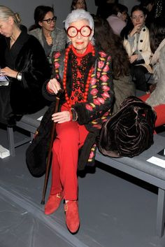 Iris Apfel - check out the brown velvet bag next to her. Amazing.