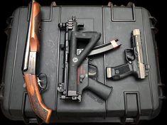 2 shorties and a pistol Edc Tactical, Tactical Equipment, Revolver Pistol, Firearms, Shotguns, Submachine Gun, Custom Guns, Cool Knives, Bug Out Bag