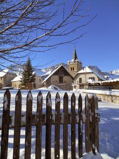 Le coeur du village de Gresse en Vercors avec son église