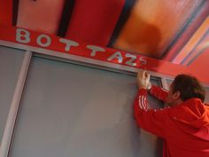 Guillaume Bottazzi is painting a ceiling, Martigues