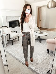 office outfits for young professionals Business Professional Outfits, Professional Dresses, Business Casual Outfits, Formal Business Attire, Business Clothes, Business Chic, Professional Women, Casual Work Outfits, Work Attire