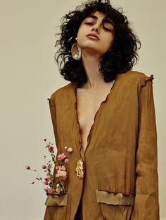Defile Valentino Fall 2017, Fashion Blog, blazer deconstructed, dry flowers, in pocket, raw edges, beautiful