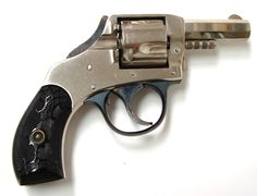Harrington & Richardson Young America Safety Hammer .32 S caliber revolver. Manufactured approximately 1907-1910.