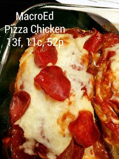 Pizza Chicken - GetMacroEd Low Carb Pizza Recipe This macro-friendly pizza chicken recipe will change your life.or at least how much you love your dinner! You're gonna want to make this one tonight! Low Carb Recipes, Diet Recipes, Chicken Recipes, Cooking Recipes, Pizza Recipes, Recipes With Macros, Protein Recipes, Diet Meals, Healthy Recipes