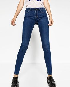 Image 4 of BODY CURVE JEGGINGS from Zara