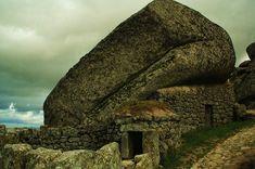 Curious Places: Giant Boulder Village (Monsanto/ Portugal)