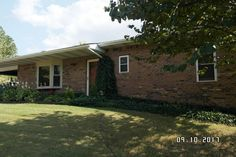 Solid brick home on over an acre! Take a look at this well manicured home packed with features such as 3 bedrooms, 2 and a half baths, hardwood floors, granite counter tops, stainless steel appliances, thermal pane windows, wood blinds and full walkout basement. Outside you will find a swimming pool with large surrounding deck and lush landscaping surrounding the home. Back yard has chain link and privacy fence as well as 2 storage buildings in Mammoth Springs AR