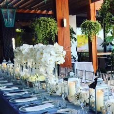 White is always right. Floral design: STEM Events