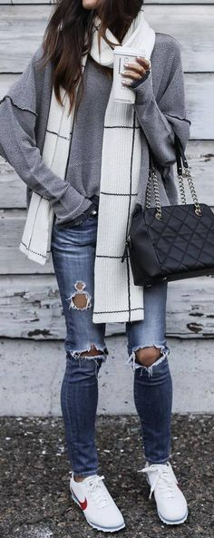 spring outfit idea with a rips