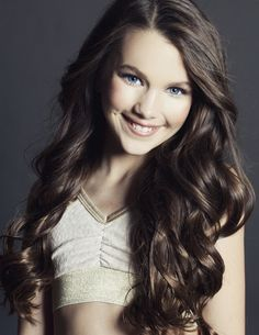 hi.. I'm chloe.. I'm 13 and single! I am a dancer, and a model.. my best friend is Jacob... he's like a brother to me... I was left alone a couple years ago...