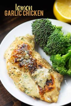 Lemon Garlic Chicken! This chicken recipe is low carb and keto friendly and it's bursting with flavor! #recipe #lowcarb #keto