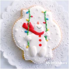Happy Snowman cookie by Nadia Kalinichenko