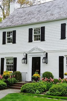 Painted brick and shingle, broken pediment with urn and dentil molding. Descript… - Home Decor Exteriors Colonial House Exteriors, Dentil Moulding, Exterior Siding, Exterior Design, Black Shutters, Curb Appeal, Exterior Makeover, Colonial House, Exterior Brick