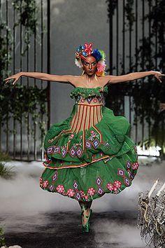 Fashion Studio Magazine: FASHION EXHIBITIONS - PERU