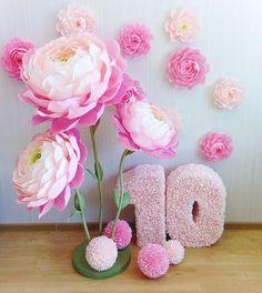 Небольшие фотозоны для Ваших принцесс  Делаю за очень разумную цену  #детскийпраздник #деньрождениядевочки #какукраситькомнатумалышки#декорстен #декордляфото#декордляфотосессии#реквизитдляфото #украшениядлядр #какукраситькэндибар#кэндибар #candybar #чтоподаритьдевочке#деньрождения #бумажныецветы #цветыдляднярождения #цветыдлядекора #цветыгиганты #бумажныйпион#бумажныесцветынастойке#ростовойцветок #мкцветыизбумаги #мкпионизбумаги #мк#сладкийбукетминск#цветыминск#цветысконфетами#букетсконфе...