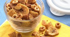 Chai Crunch-All the flavors of exotic chai tea are here in a crunchy snack mix. Chex Mix Recipes, Dog Food Recipes, Snack Recipes, Xmas Recipes, Popcorn Recipes, Cereal Recipes, Fall Recipes, Appetizer Recipes, Dessert Recipes