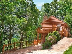 Treetops - This is a 2 bedroom rustic cabin for rent in the foothills of the Great Smoky Mountains in Pigeon Forge, Tennessee