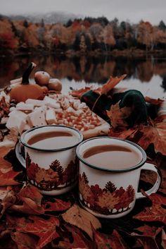 Cream Aesthetic, Autumn Aesthetic, Witch Aesthetic, Aesthetic Images, Autumn Illustration, Journal Aesthetic, Autumn Cozy, Autumn Photography, Christmas Scenes