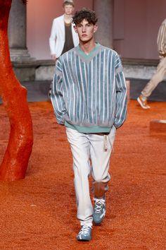 See the complete Ermenegildo Zegna Spring 2018 Menswear collection.