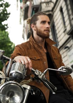 nice How to Maintain a Beard - A Modern Guide for Tuning Facial Hairs Hair And Beard Styles, Long Hair Styles, Retro Tattoos, Long Beards, Ginger Beard, Beard Lover, Beard Tattoo, Man Bun, Bearded Men
