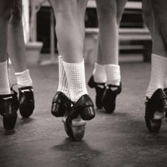 En pointe in Irish dance.@