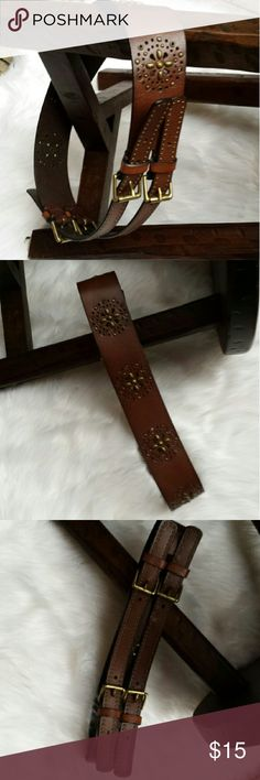 "Express Leather belt Brown leather belt 2 1/4"" wide-30"" to 36"" maximum length.  Antique gold grommet and 4 buckle detailing. Express Accessories Belts"