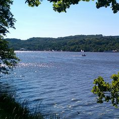 The Baldeneysee is an approximately 7.8 km long lake in Essen. It is surrounded by forests and known far beyond the Ruhrgebiet as a water sports paradise and recreation area.