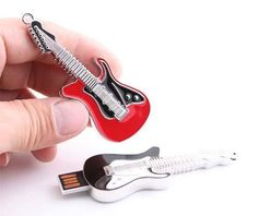 Apparently you can't use the guitar to play your favorite music, but if you need a unique storage method for your files, the rock guitar USB flash drive may be Usb Gadgets, Geek Gadgets, Cool Technology, Technology Gadgets, Usb Drive, Usb Flash Drive, Bullet Crafts, Cool Things To Buy, Quirky Products