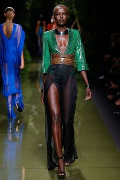 Balmain Parigi - Spring Summer 2017 Ready-To-Wear - Shows - Vogue. Fashion Week, Fashion 2017, Runway Fashion, High Fashion, Fashion Beauty, Fashion Outfits, Womens Fashion, Fashion Trends, Vogue Paris