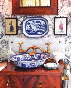 "73 Likes, 17 Comments - Lynn Byrne | Decor Arts Now (@decorartsnow) on Instagram: ""Sink and faucet goals. In a country manor sort of mood.⠀"""