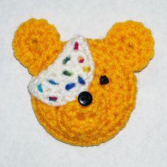 Free crochet pattern for Pudsey Bear brooch  by GiddyStuff