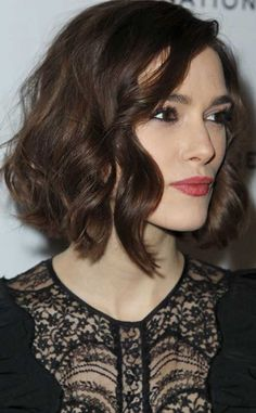 7.Curly Bob Hairstyle