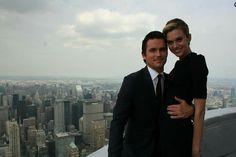 Top of the Empire State Building with Neal. So jealous! White Collar Neal, Matt Bomer White Collar, Sara Ellis, Neal Caffrey, Madam Secretary, Cop Show, Usa Network, Funny Tattoos, Celebrity Travel