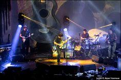 De onaflaatbare inzet en overlevingsdrift van Chris Rea - The Blues Alone? Chris Rea, Nothing To Fear, Alone, Music, Musica, Musik, Muziek, Music Activities, Songs