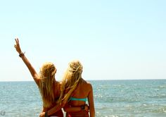 Exactly this tomorrow with Jess loy!  Beach+bestfirnd= pictures!