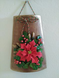 1 million+ Stunning Free Images to Use Anywhere Christmas Crafts For Kids, Christmas Time, Christmas Decorations, Christmas Ornaments, Christmas Wreaths, Clay Wall Art, Clay Art, Diy Bottle, Bottle Crafts