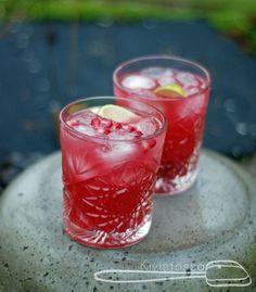 Granaattiomenainen Yule-mule - kivistossa.com Moscow Mule, Yule, Shot Glass, Drinks, Tableware, Recipes, Beverages, Dinnerware, Dishes
